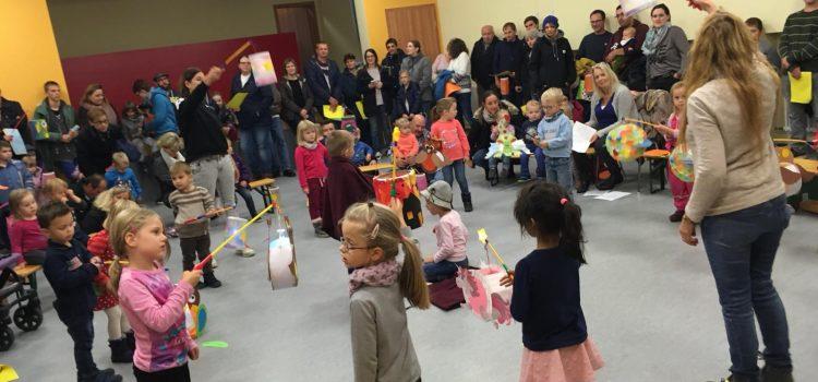 Martinsumzug des Kindergarten St. Jakobus Kirchschönbach